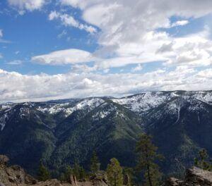 The Sierra Buttes - Wilde Escape