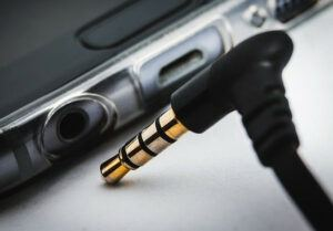 Unplugged headphone jack