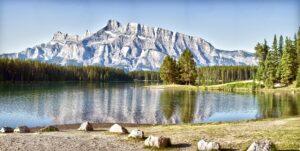 mountain-water-peace