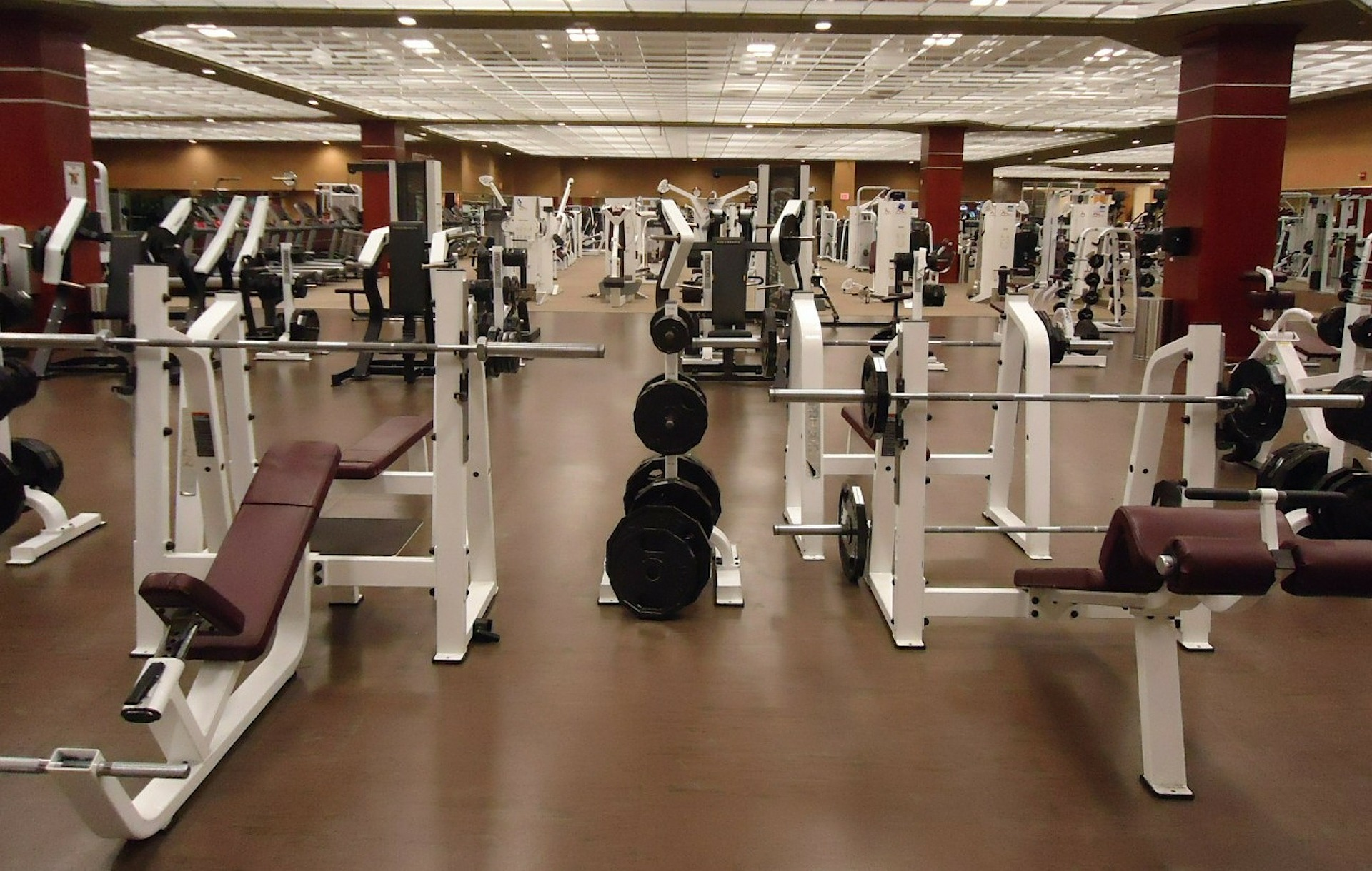 empty-gym-photo-of-machines